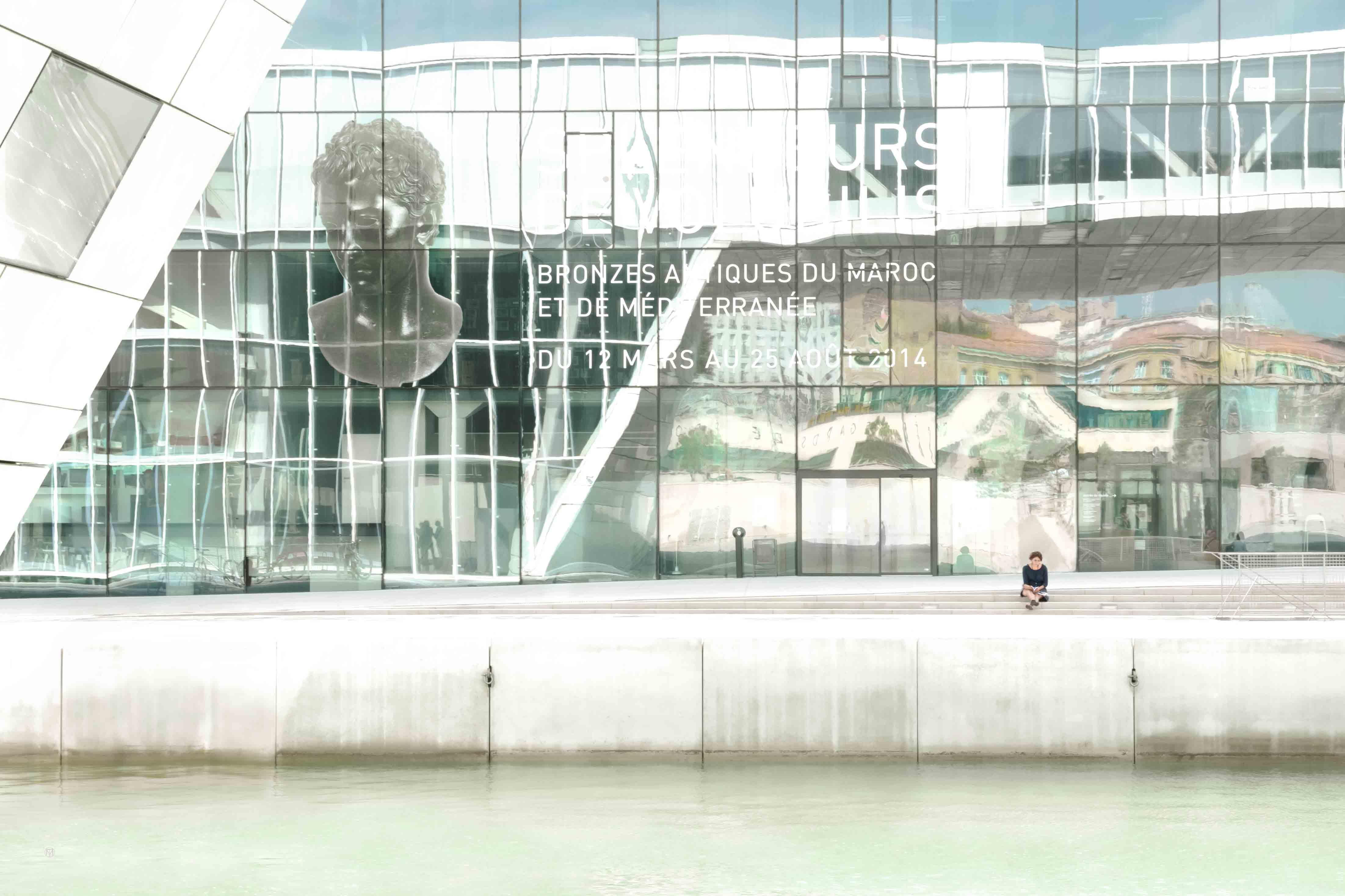 Public-city-2089